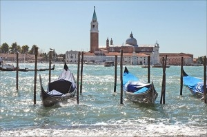 picture-venice-gondolas