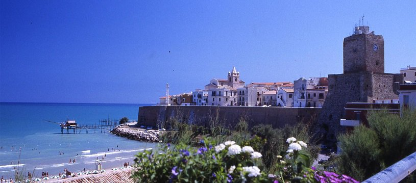 molise sightseeing beach