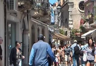 9 day sicily tour taormina street